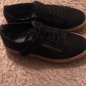 Platform casual shoes